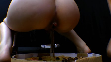 Scat Pizza Real Swallow With 2 Slaves