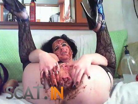 Anal dildoing, self-fisting, prolapse and scat (SD 480p)