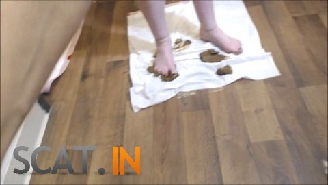 Cosmic Girl Summer - Licking Poo Off My Feet (FullHD 1080p)